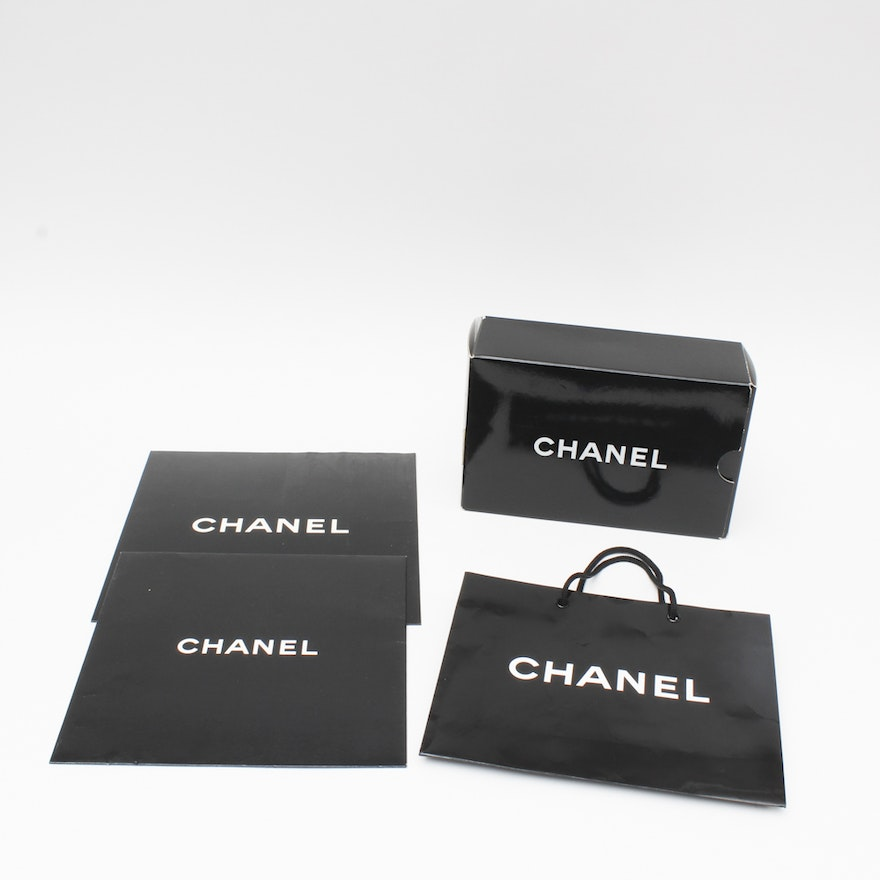 2139c76566d8 Chanel Gift Boxes and Bags : EBTH