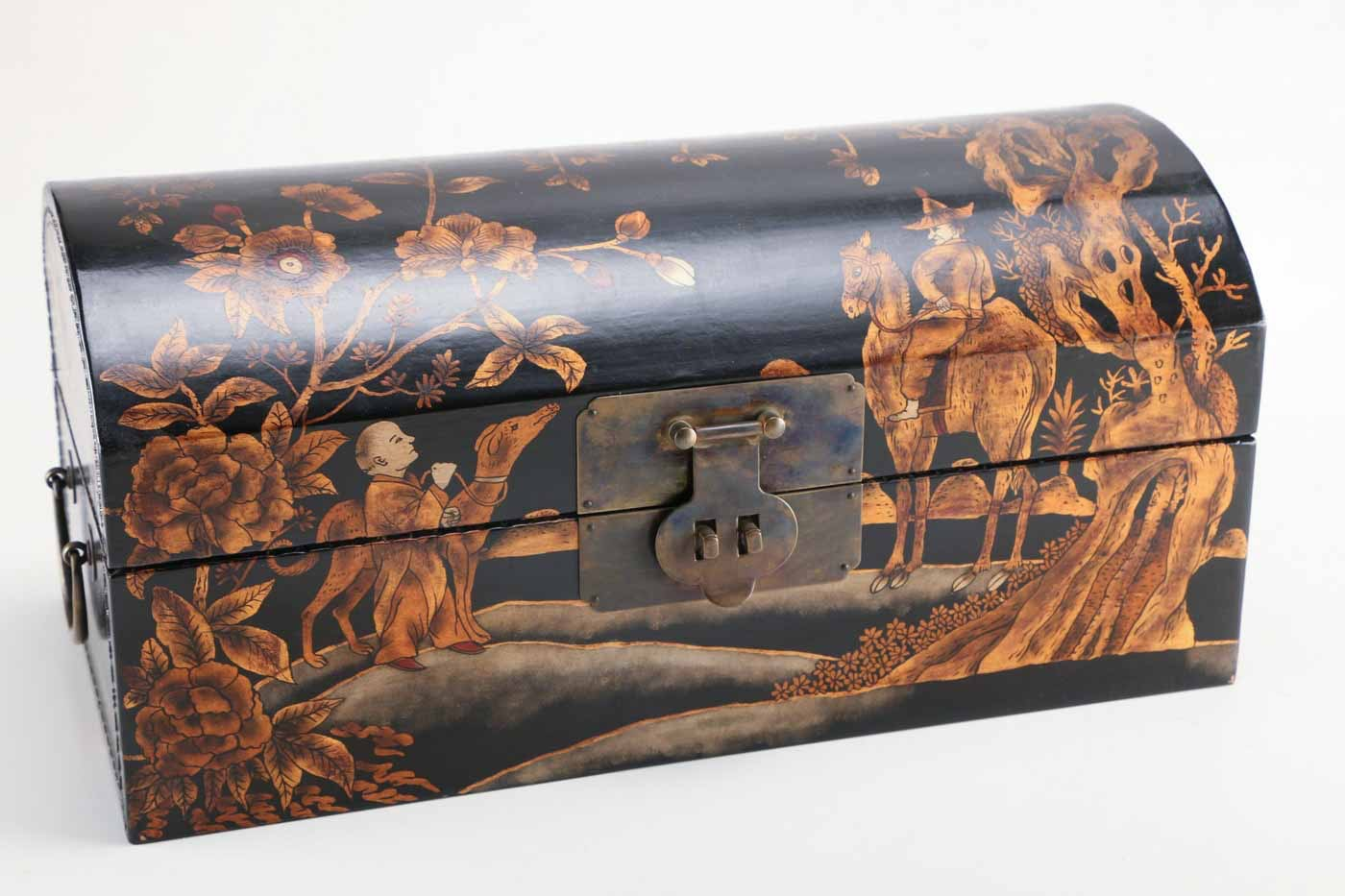 Chinoiserie Painted Wood Chest : EBTH. Full resolution‎  snapshot, nominally Width 1400 Height 933 pixels, snapshot with #A95F22.