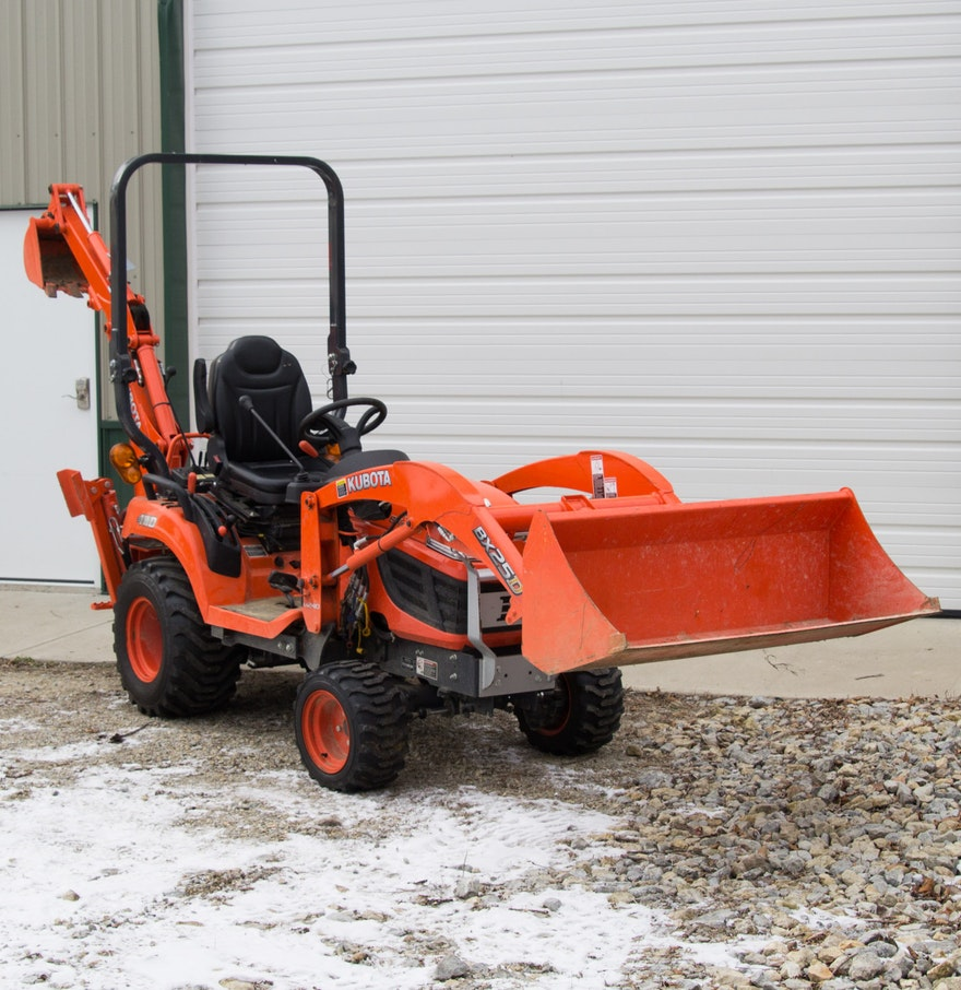 Kubota Tractor Backhoe Buckets : Kubota bx dlb tractor with loader and backhoe attachments