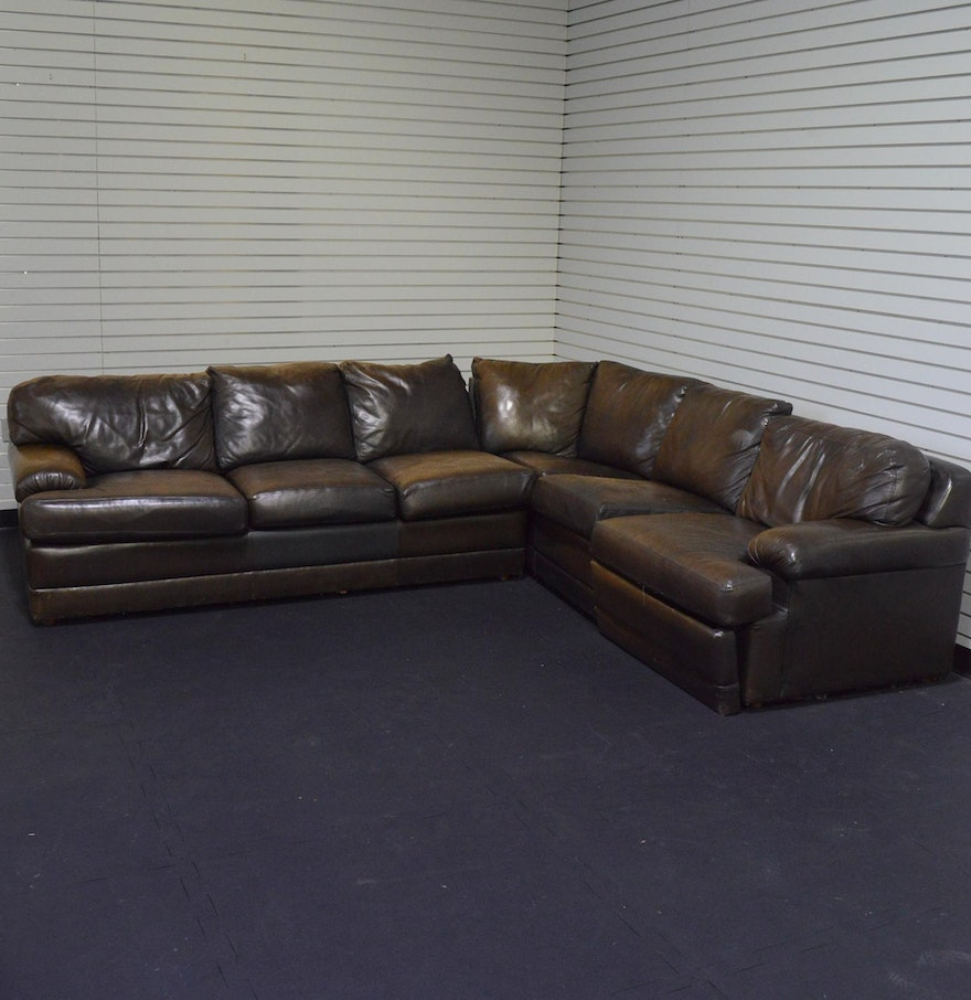 Craftwork guild brown leather sectional sleeper sofa ebth for Tan sectional sleeper sofa