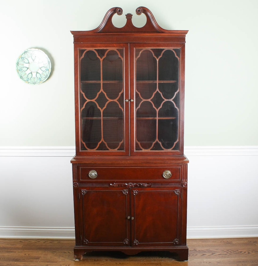 Chippendale China Cabinet Vintage Mahogany Chippendale Style China Cabinet Ebth