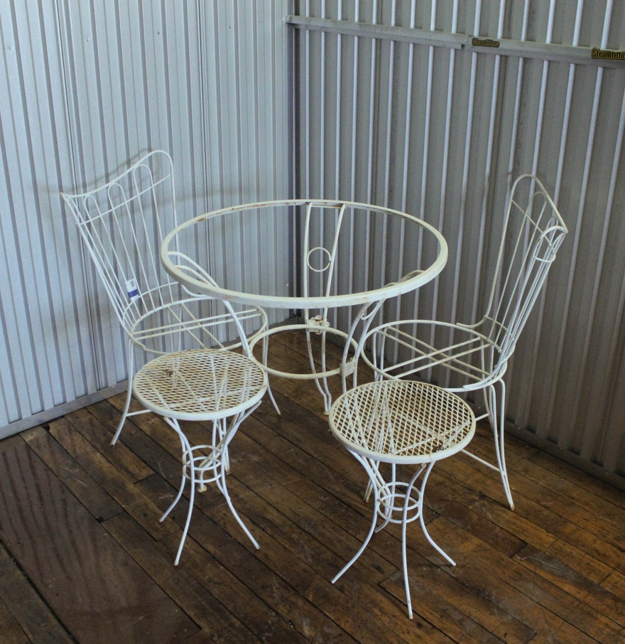 Vintage wrought iron patio furniture ebth for Best wrought iron patio furniture