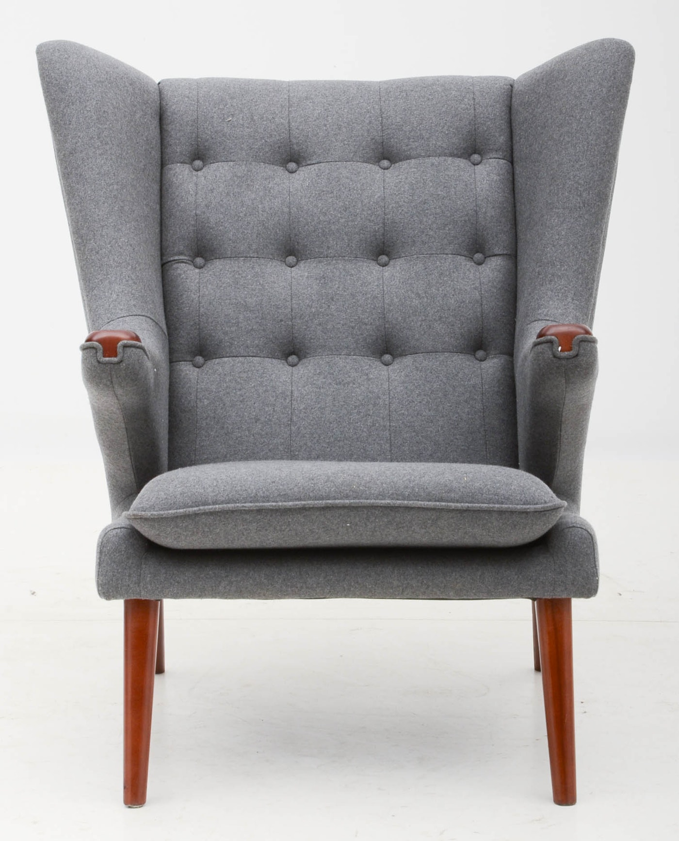 Wegner Replica Quot Papa Bear Quot Grey Flannel Winged Lounge