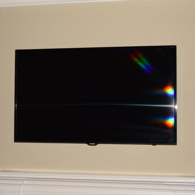 """55"""" Samsung LED Television and Mount"""