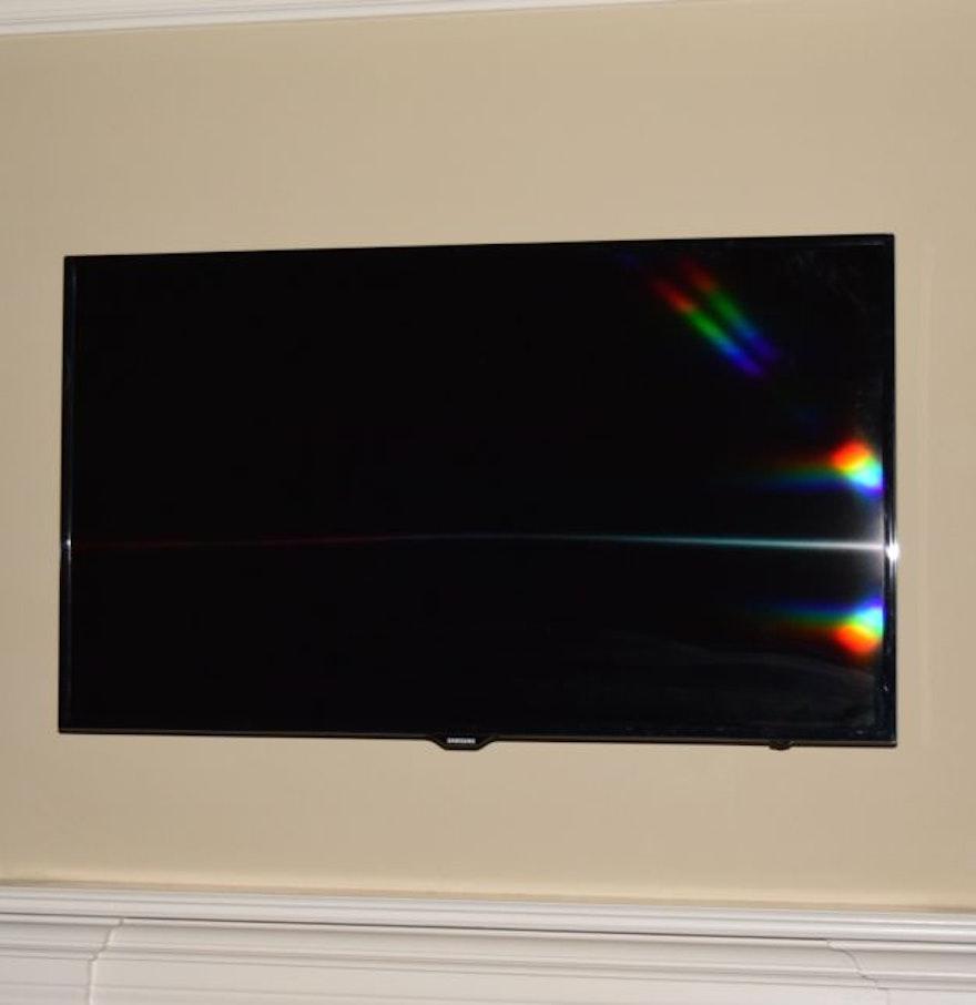 55 samsung led television and mount ebth. Black Bedroom Furniture Sets. Home Design Ideas