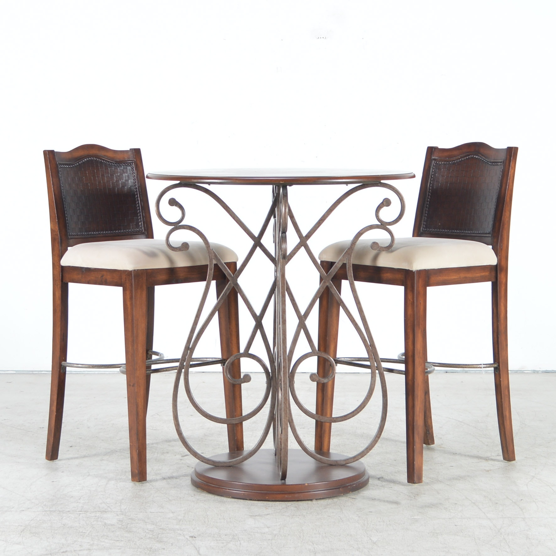 Havertys Furniture Pub Table With Hillsdale Stools Ebth