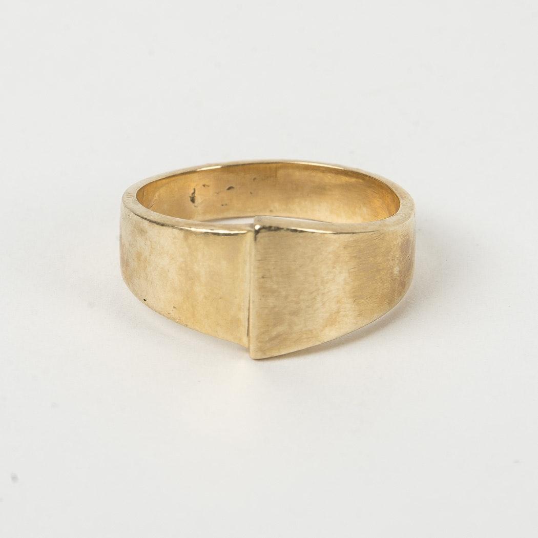 Men's 14K Gold Tapered Shank Ring