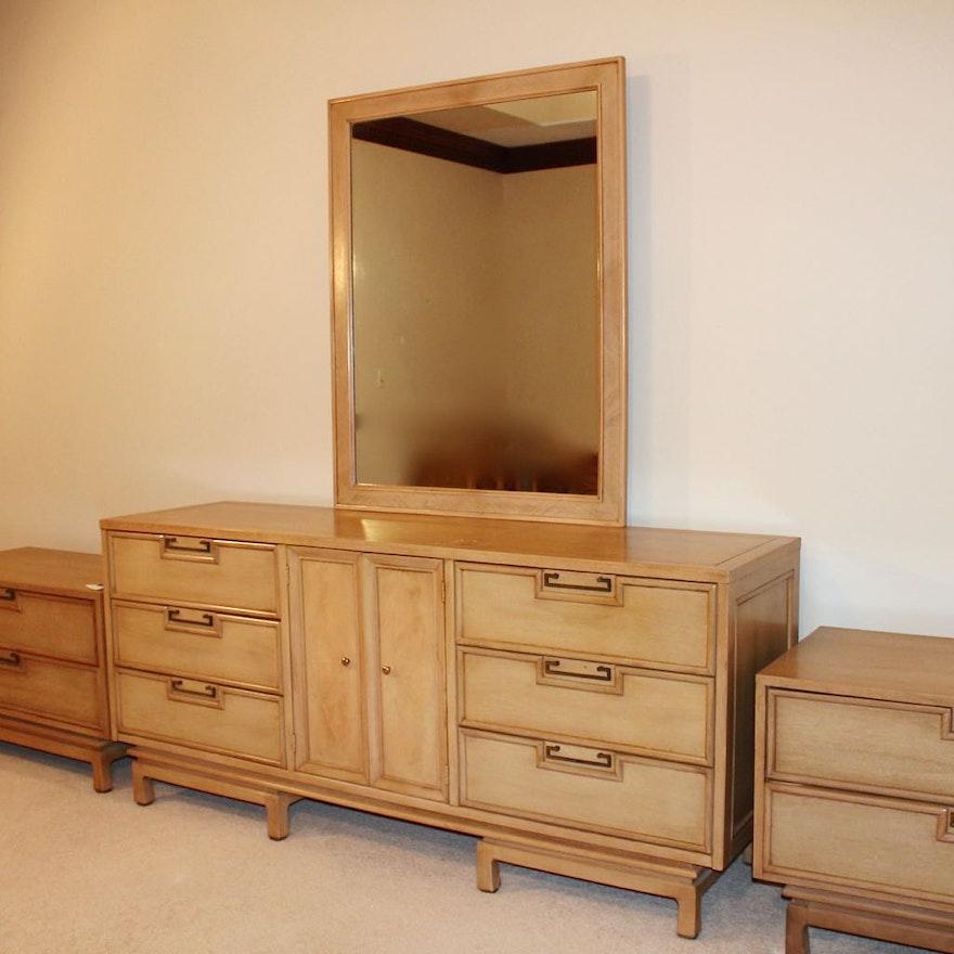 Mid Century Modern American of Martinsville Dresser with Mirror