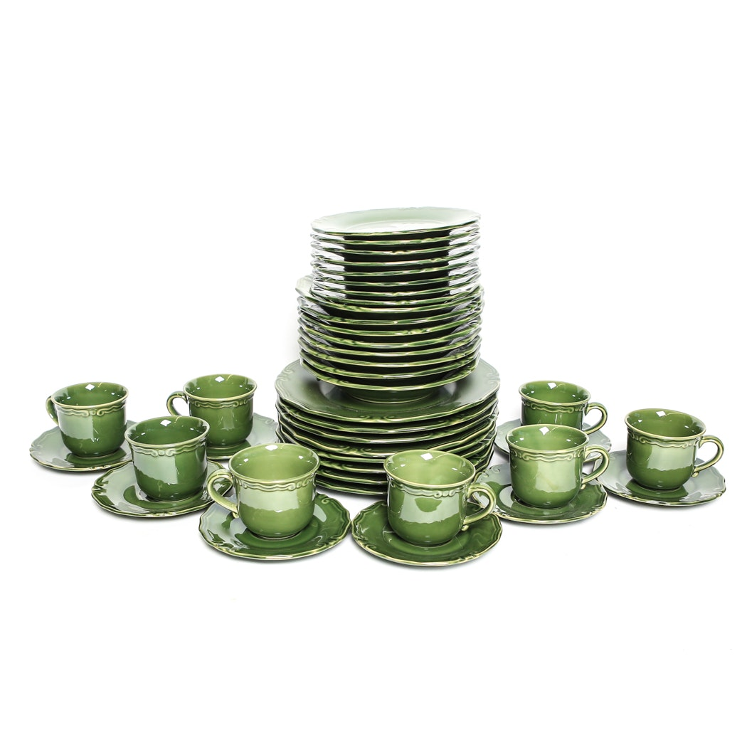 Set of Green Cierra Fine Dinnerware