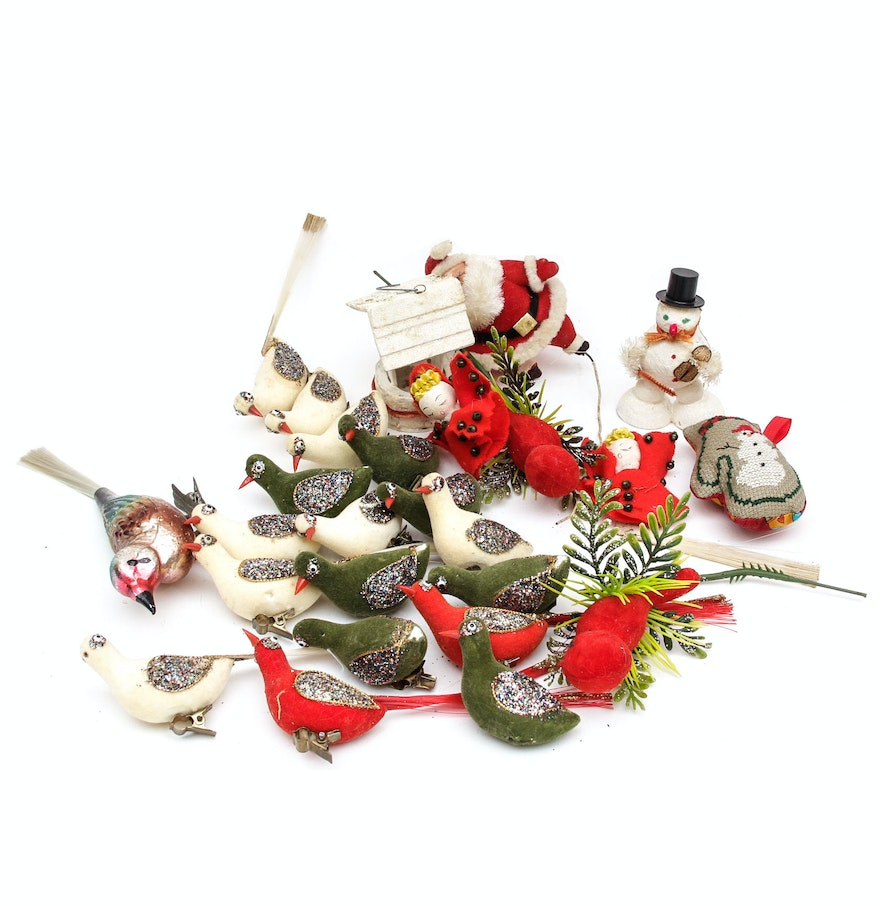 Collection of vintage christmas ornaments ebth for Collecting vintage christmas ornaments