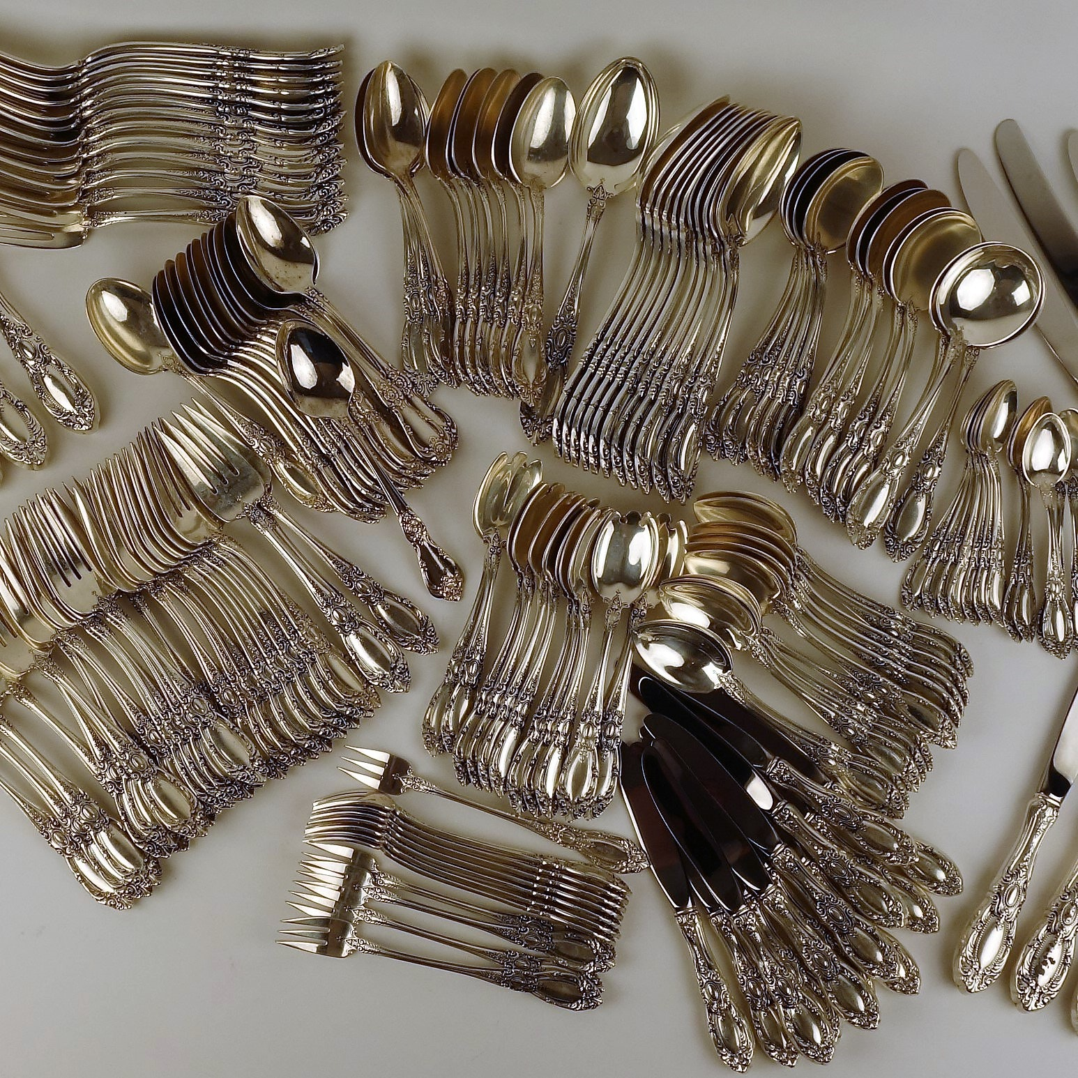 """Towle """"King Richard"""" Sterling Silver Flatware 193 Pieces"""