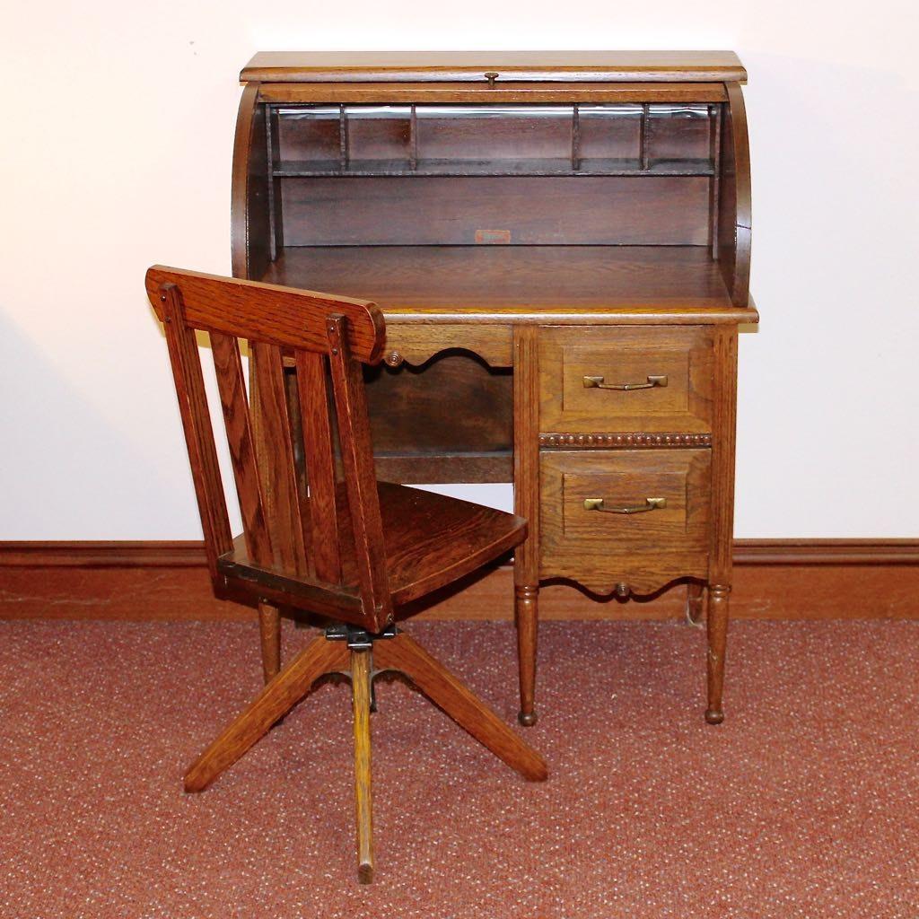 Child S Vintage Quot Collegiate Quot Oak Roll Top Desk And Chair