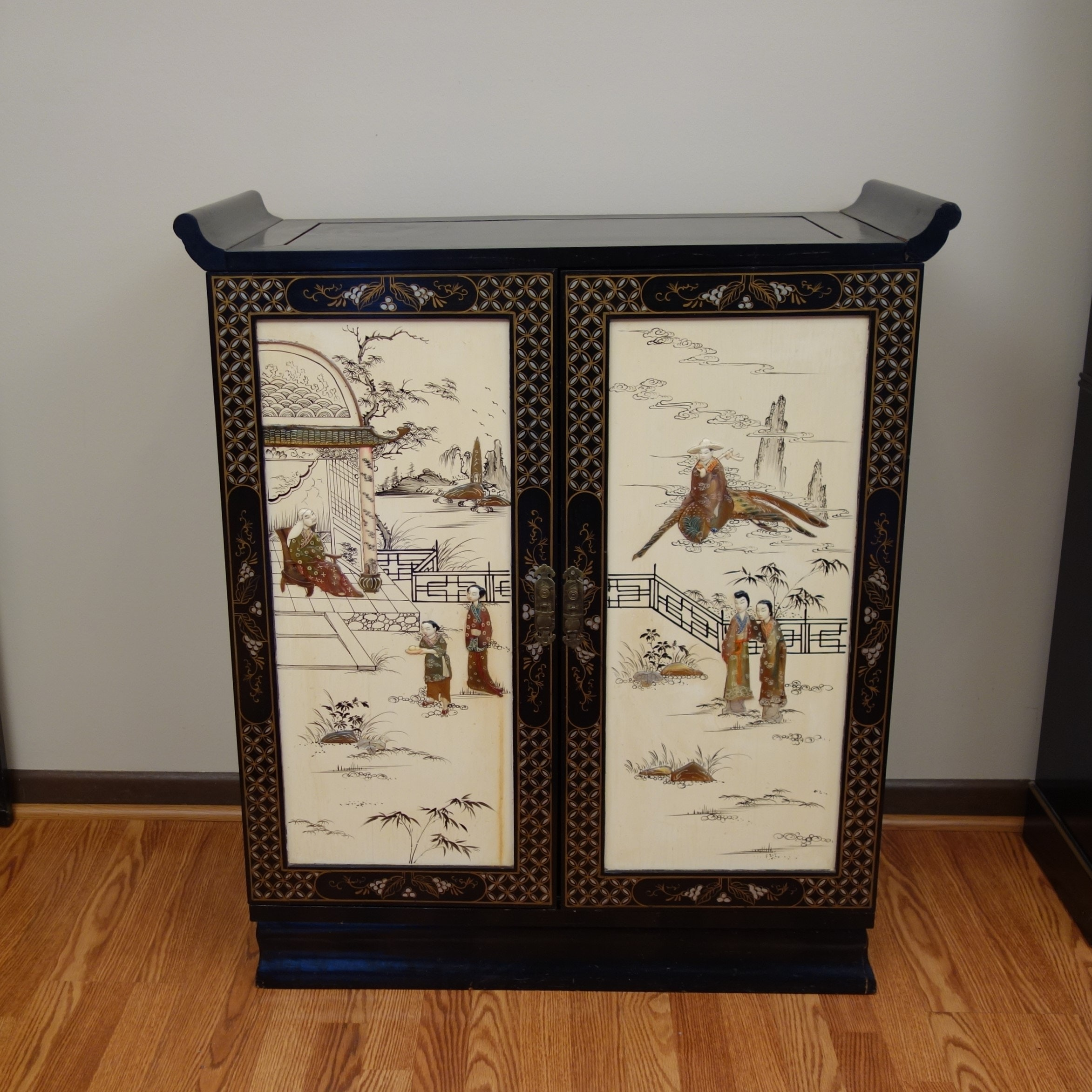 Vintage Chinoiserie Black & White Laquer Bar Cabinet