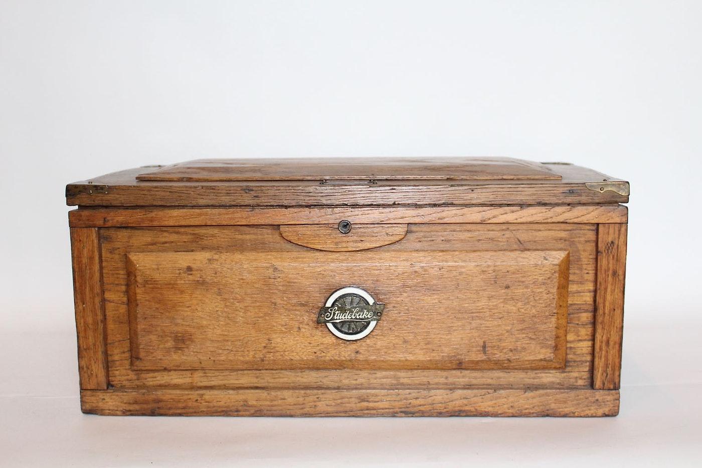 Antique oak tool box by studebaker ebth for 1 1 2 box auto