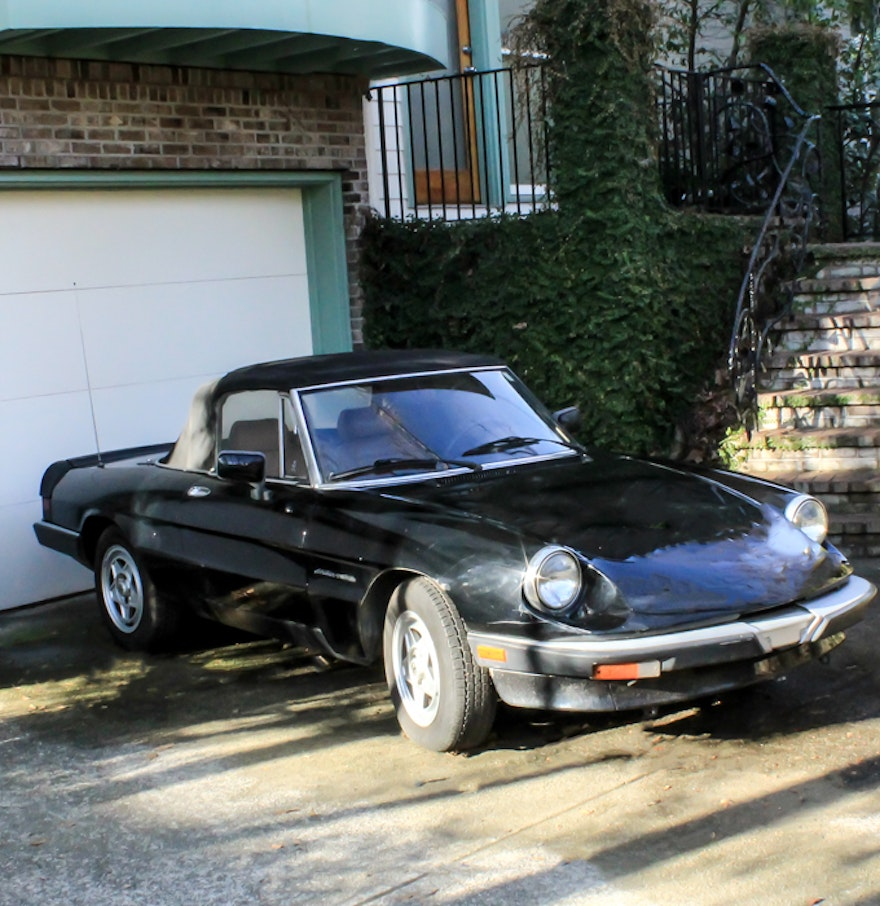 1989 alfa romeo spider convertible ebth. Black Bedroom Furniture Sets. Home Design Ideas