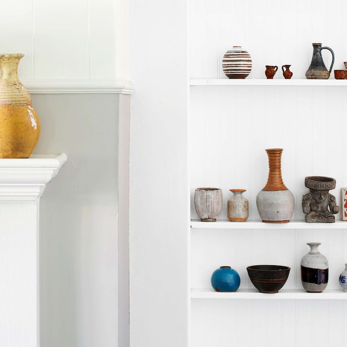 Buying Vintage and Antique Pottery Online Main Image