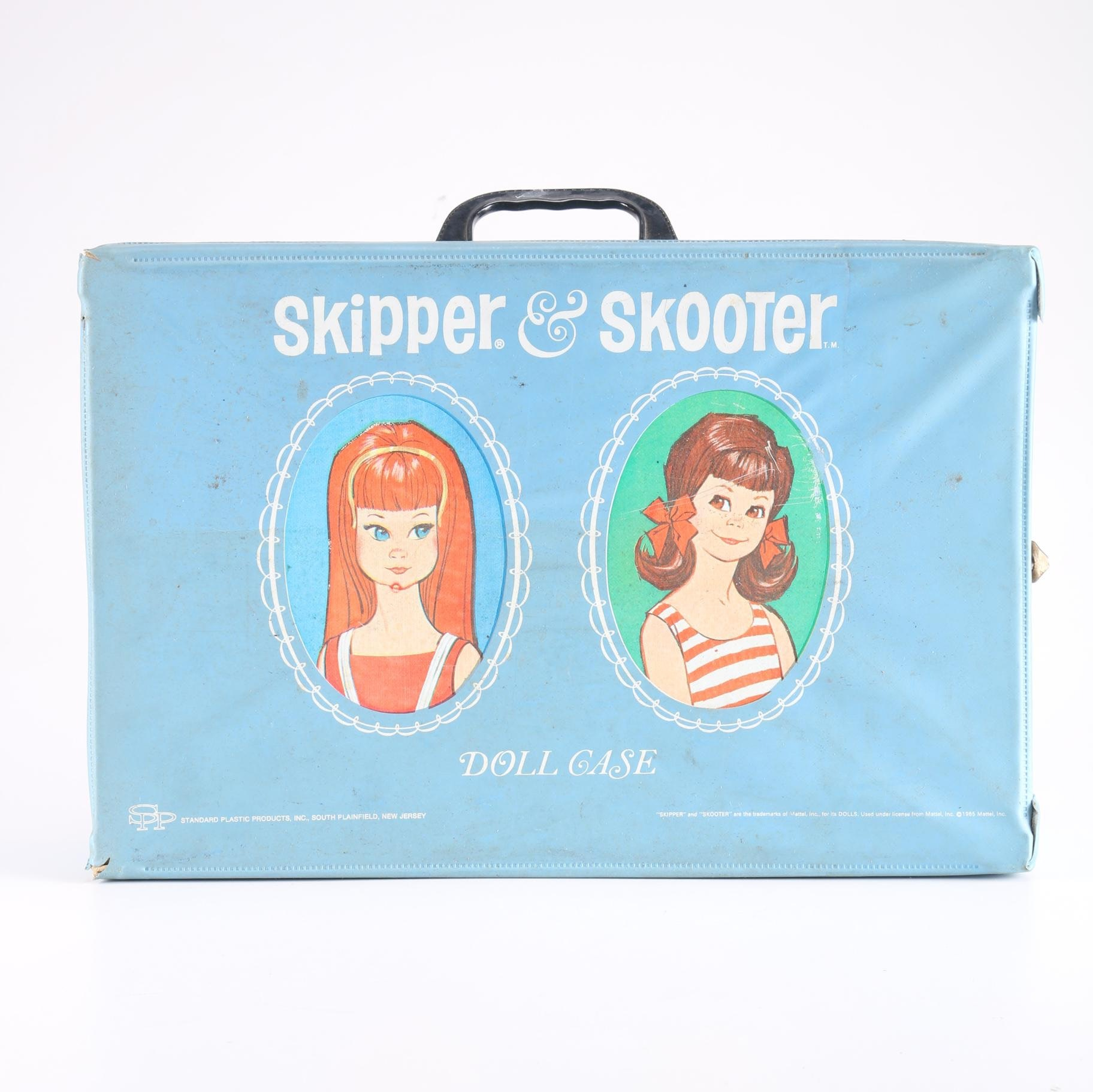 Vintage Skipper Case With Barbie Dolls and Accessories