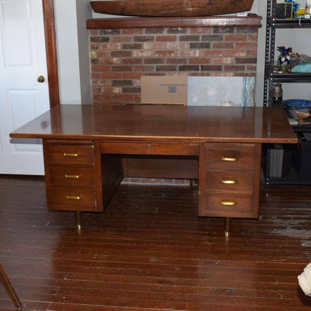 Superb Vintage Indiana Desk Company Executive Desk ... Nice Look
