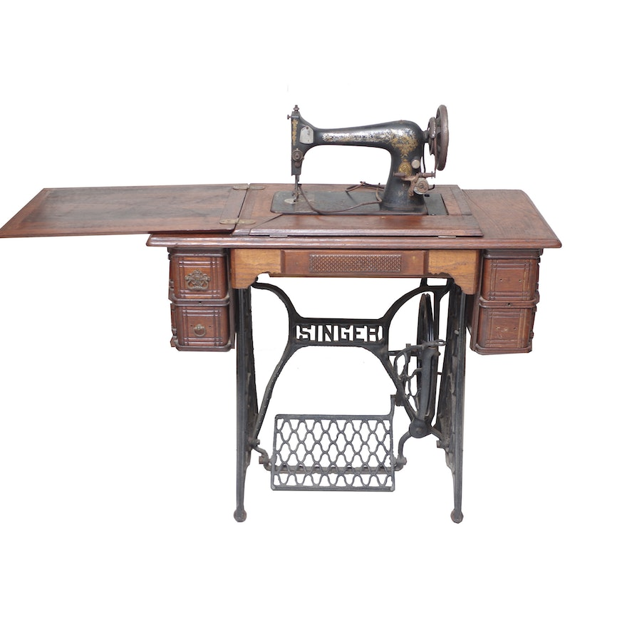 Singer Sewing Machine Table In Cast Iron Base