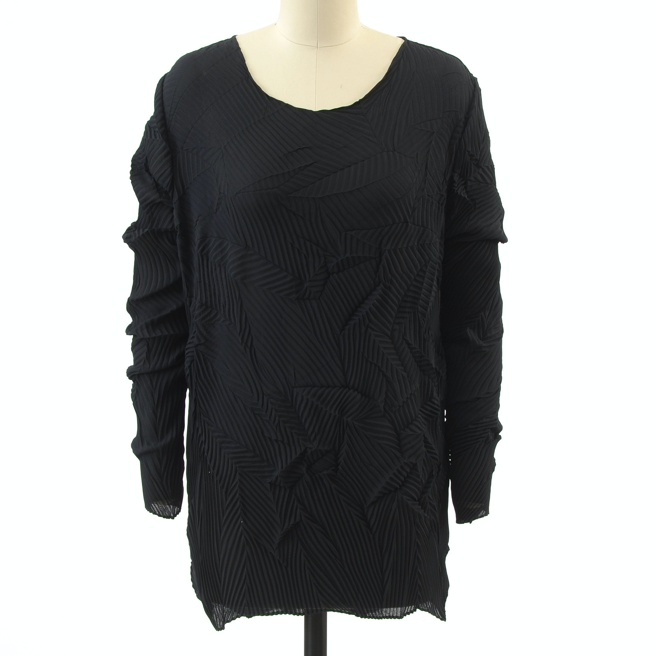 Han Feng of New York Black Pleat Long Sleeve Blouse