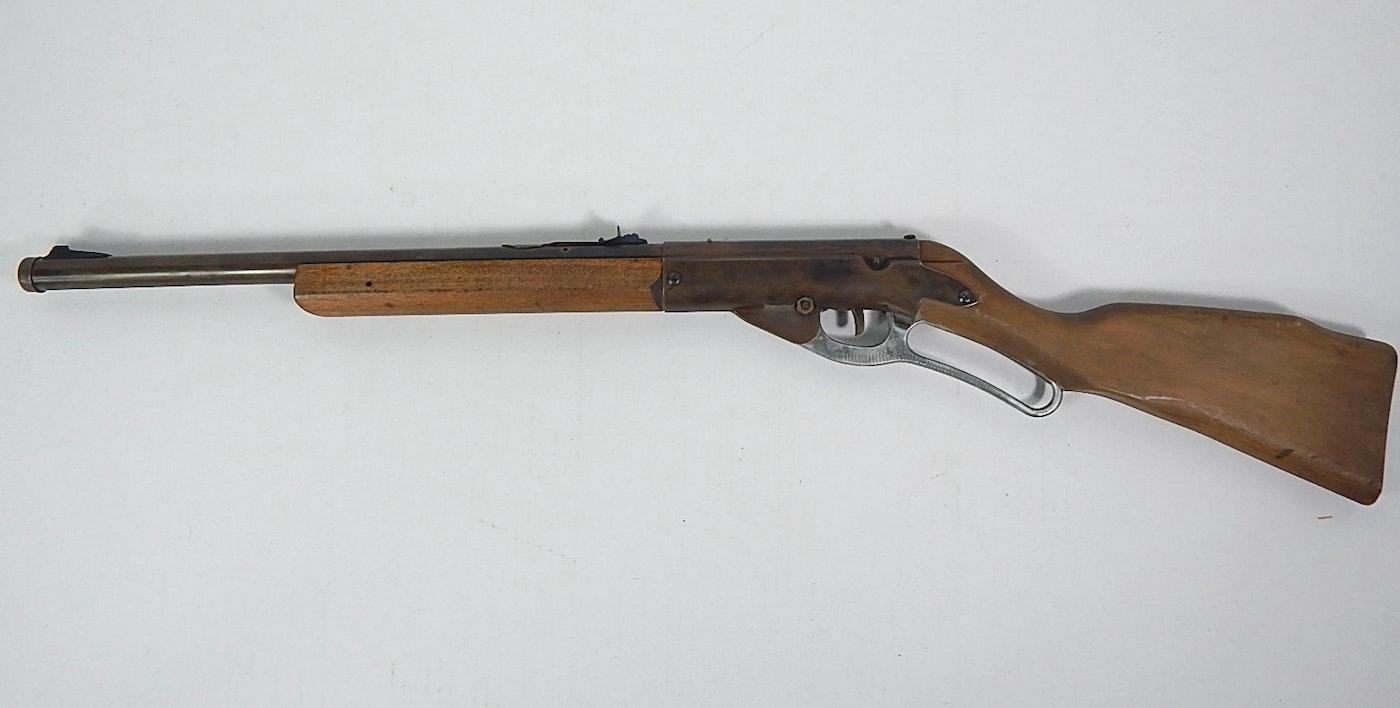Vintage Daisy Model 96 BB Gun