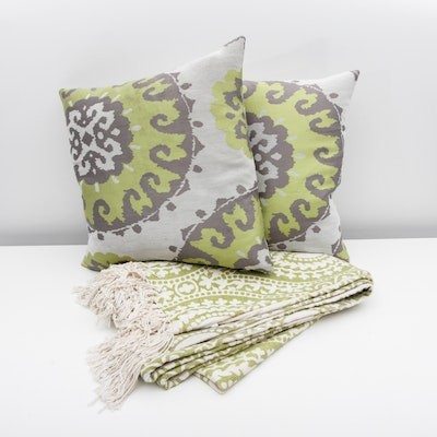Throw Pillows With Matching Rug : Four Down Throw Pillows : EBTH