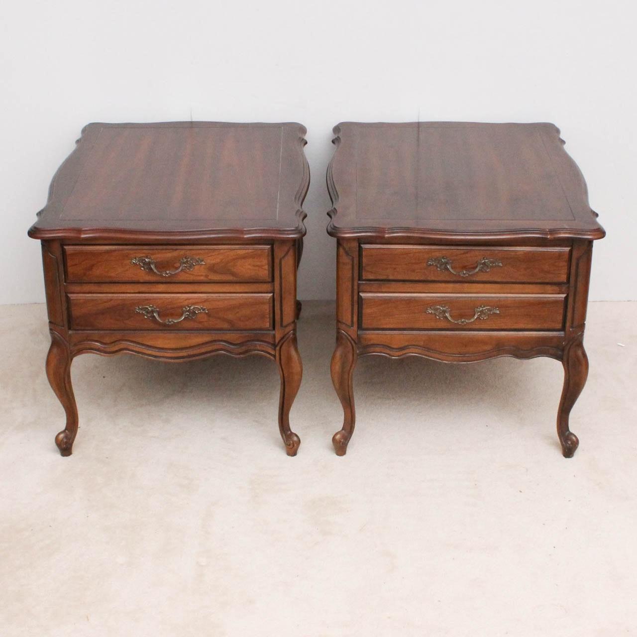 Bon Pair Of Vintage Hammary Wood End Tables ...