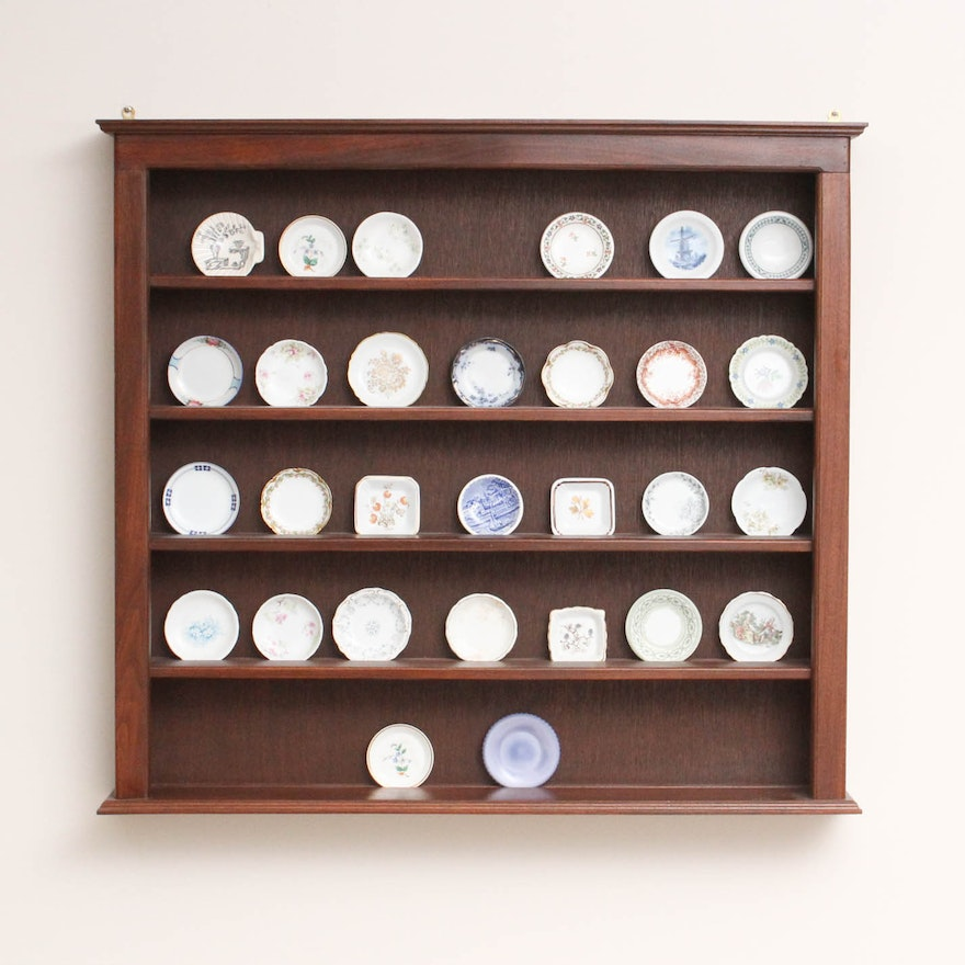 Porcelain Er Pat Collection With Custom Built Display