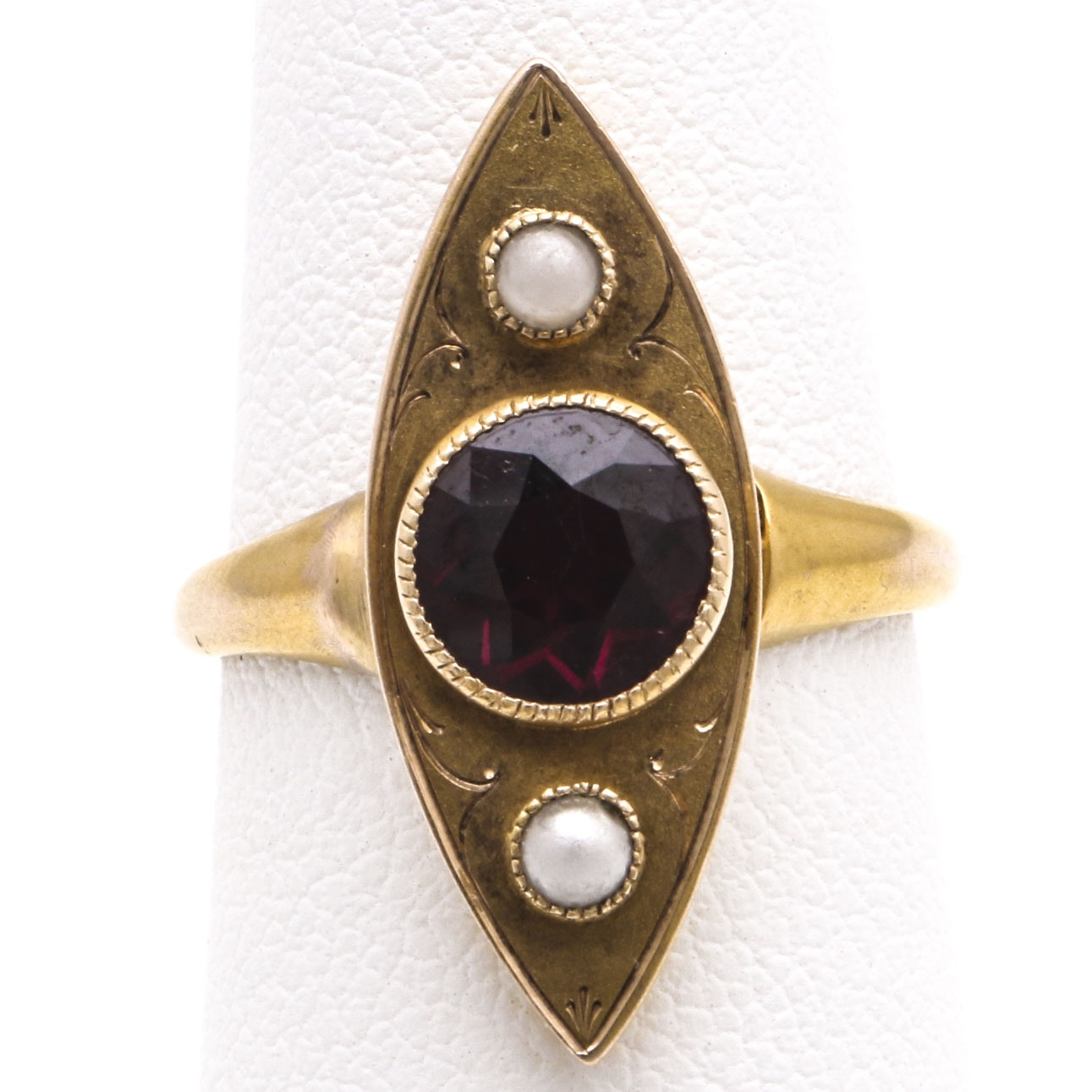 18K Yellow Gold Garnet and Pearl Ring