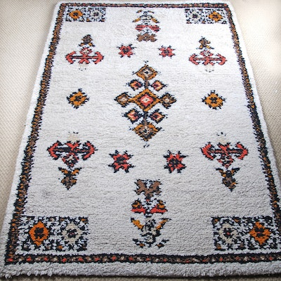Eulan bayer lanneau wool area rug gold and black pagoda for Wool berber area rug