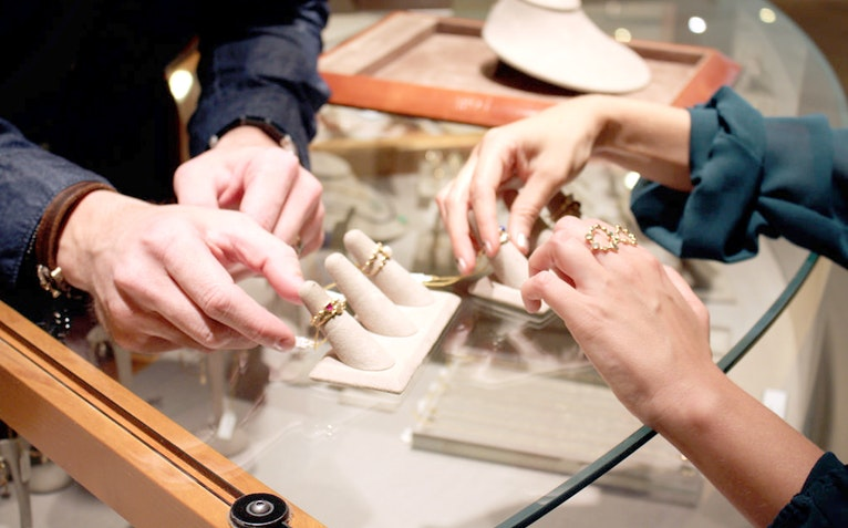 Tips of the Trade: How To Shop For Vintage Jewelry