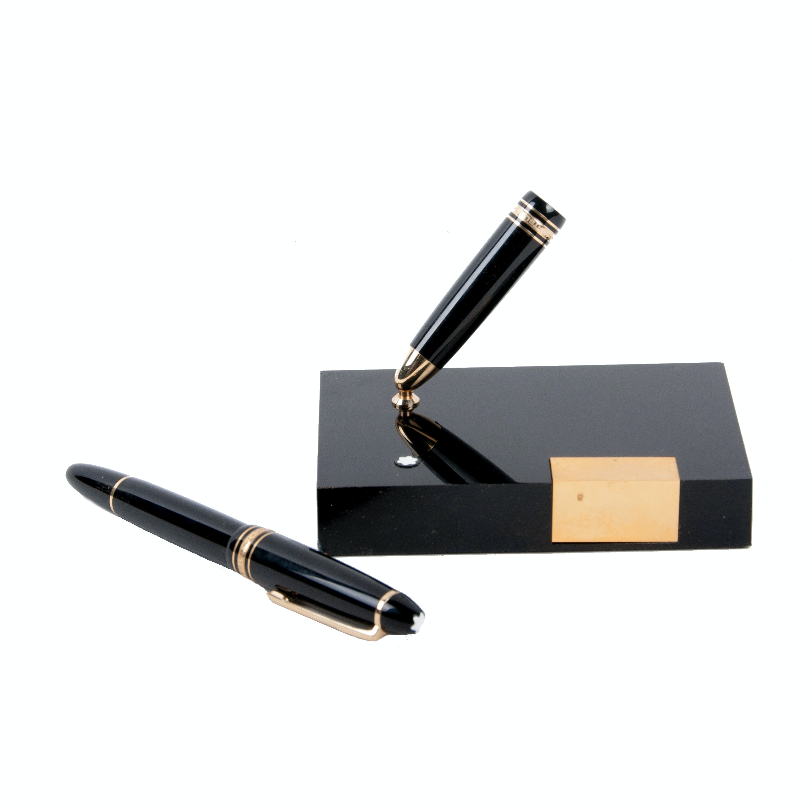 Montblanc Meisterstück  Gold-Coated Fountain Pen and Stand