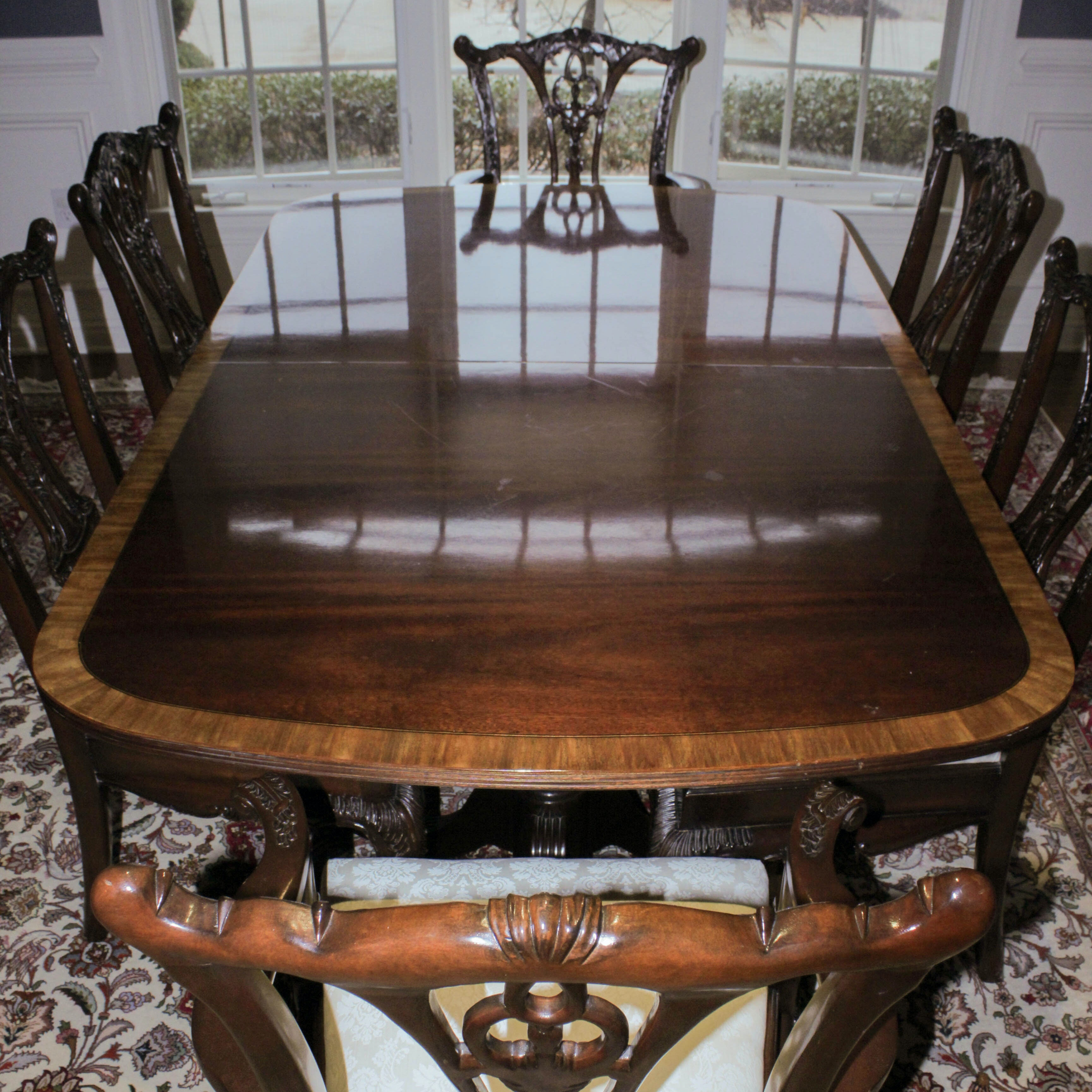Hickory White Hepplewhite Style Dining Table And Chairs ...