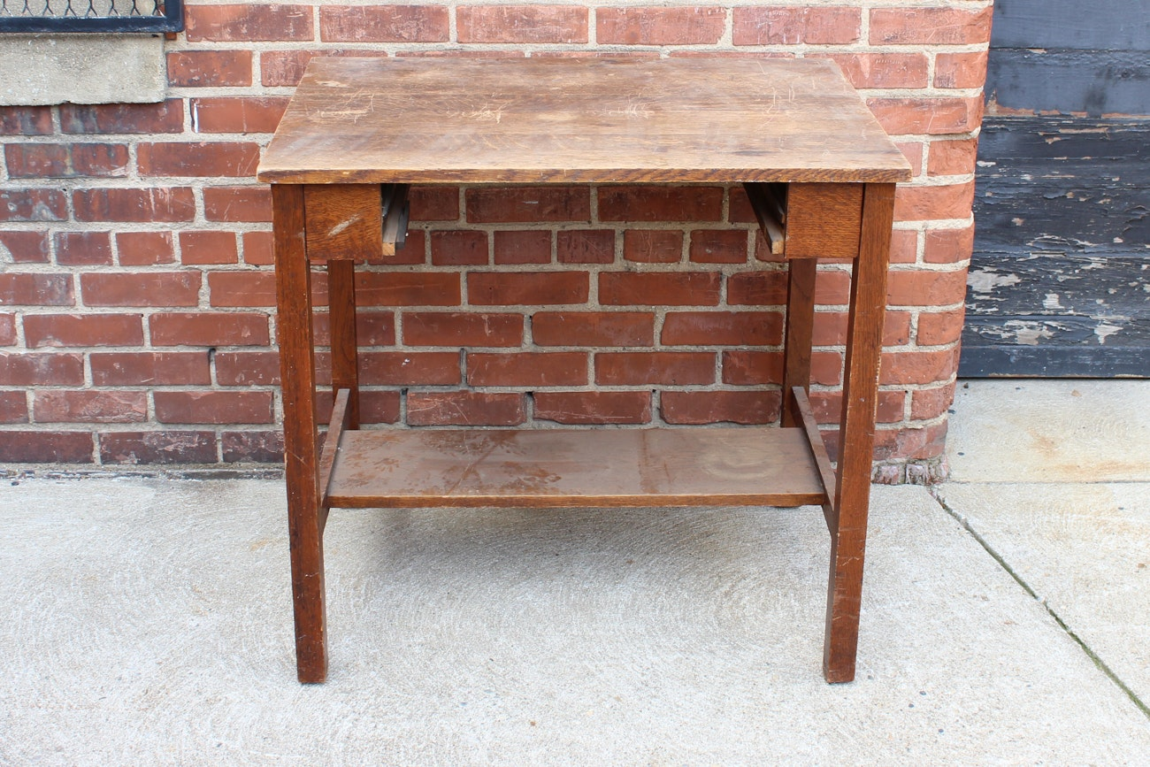 Early 20th Century Quarter Sawn Oak Desk