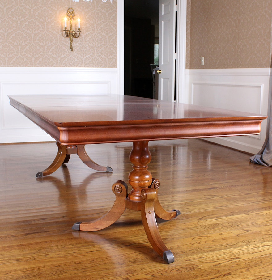 Cherry duncan phyfe style dining room table ebth for Duncan 5 dining room table