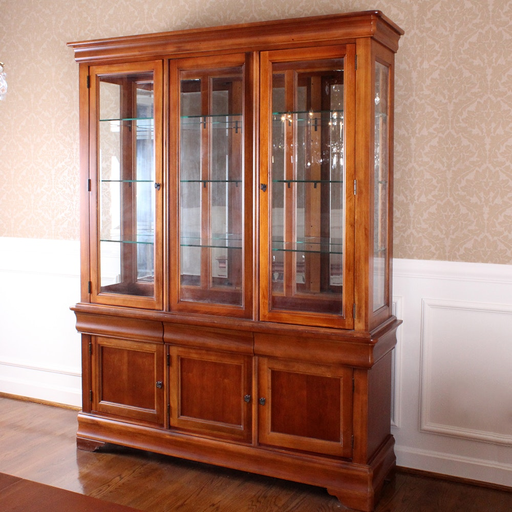 bassett furniture china cabinet ebth rh ebth com Vintage Bassett Furniture bassett furniture industries inc antique china cabinet