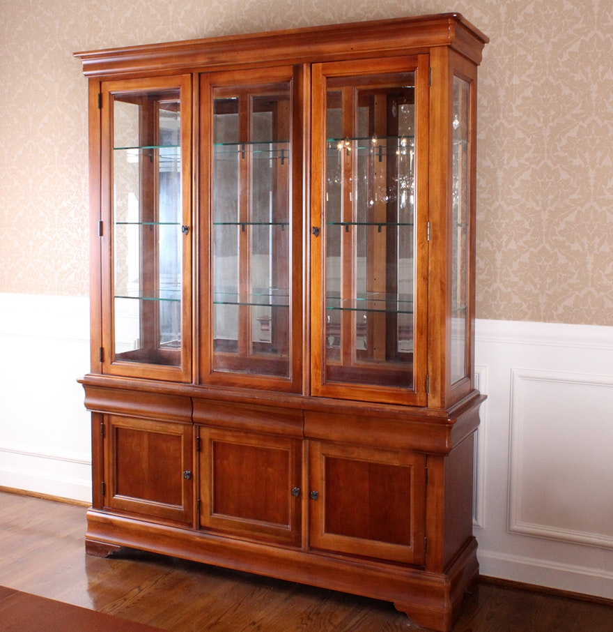 Bassett Furniture China Cabinet