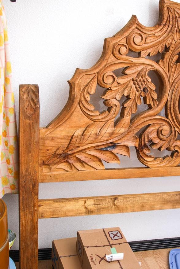 Chaddock Auto Sales >> Horse Head Carved Oak Headboard | EBTH