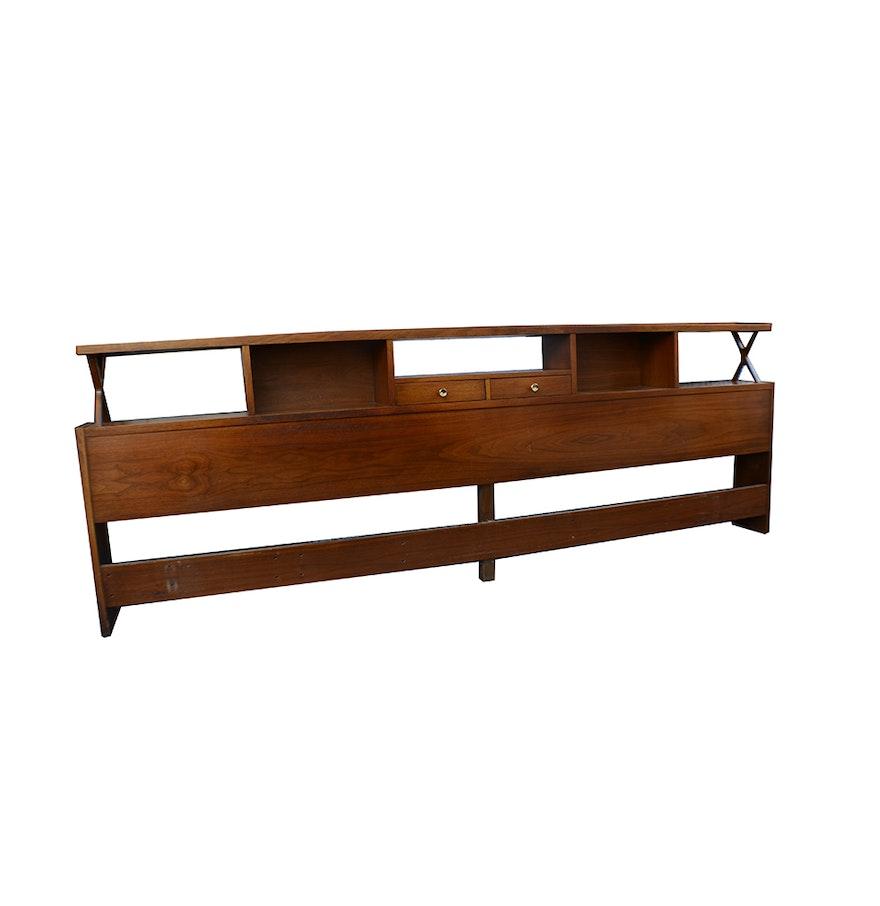 mid century modern american of martinsville king size. Black Bedroom Furniture Sets. Home Design Ideas