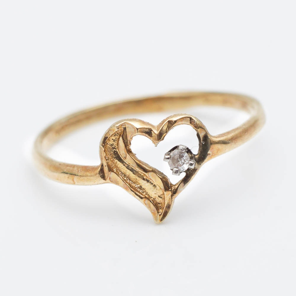 14K Yellow Gold Heart Ring with Stone