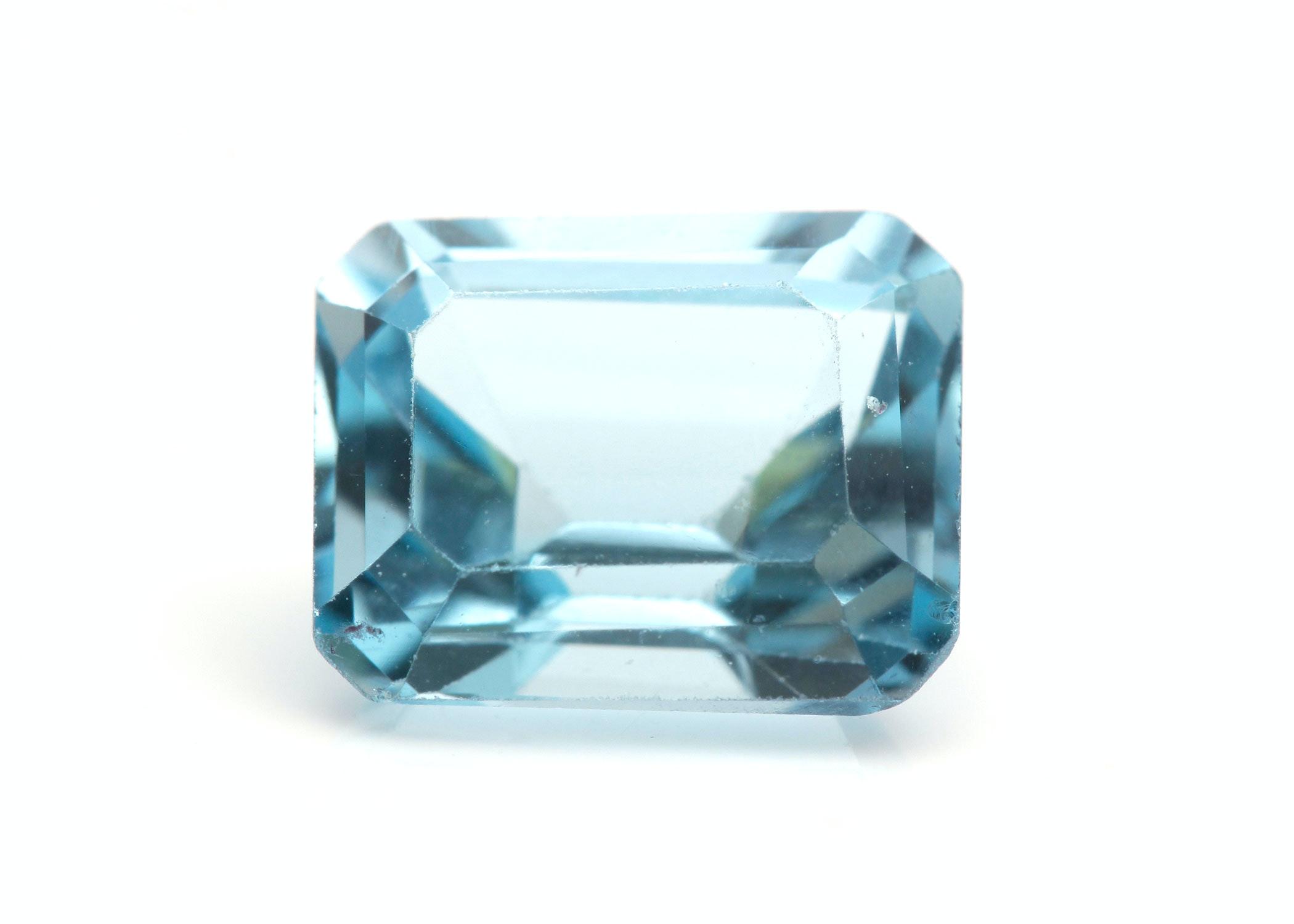 3.38 CT Blue Topaz