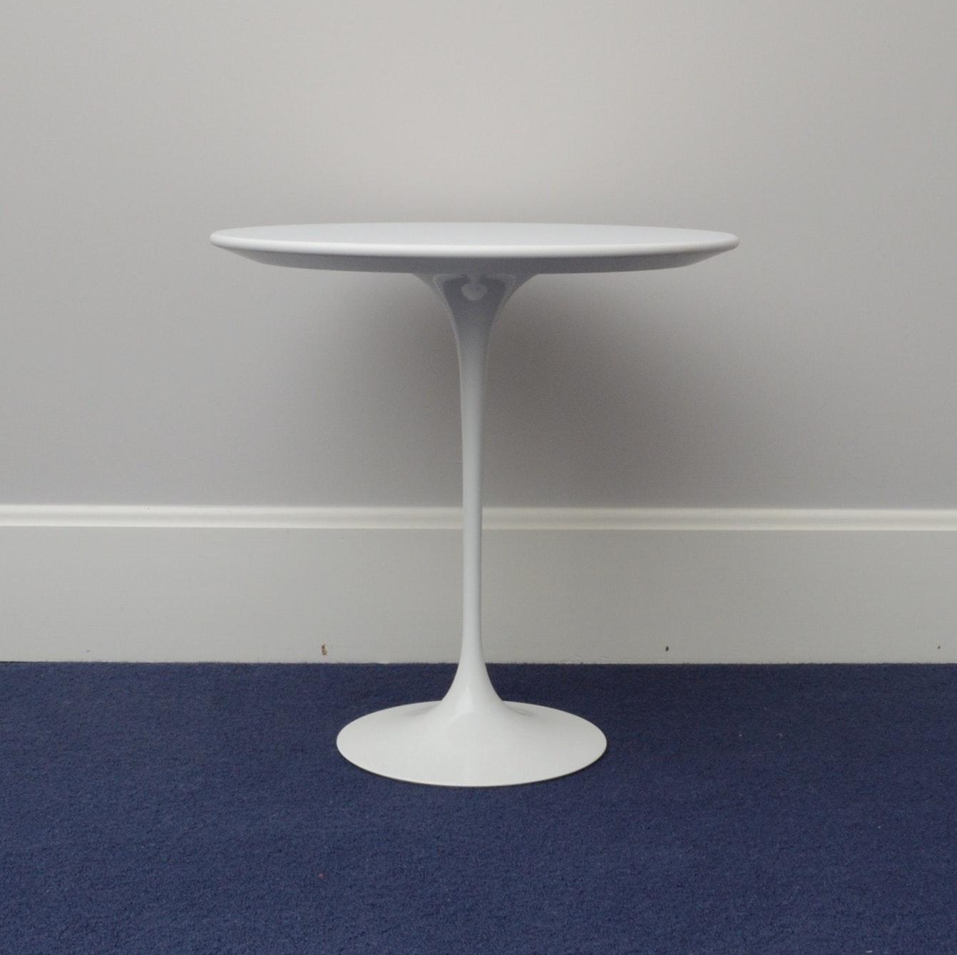 Mid Century Saarinen Tulip Table by Knoll