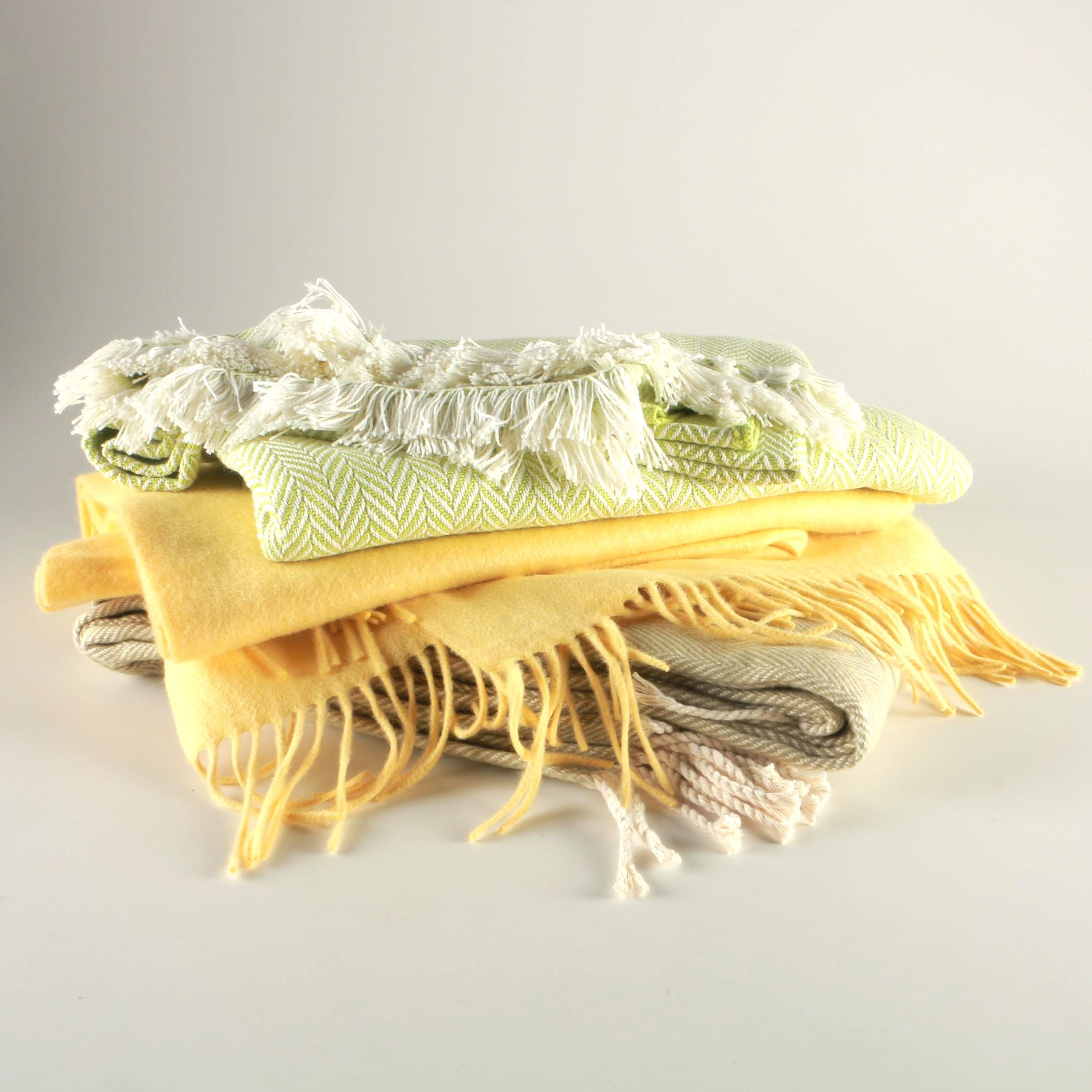 Collection of A Soft Idea and Pearls & Cashmere Throw Blankets
