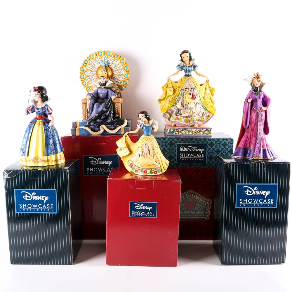 Snow White and the Evil Queen Figurines