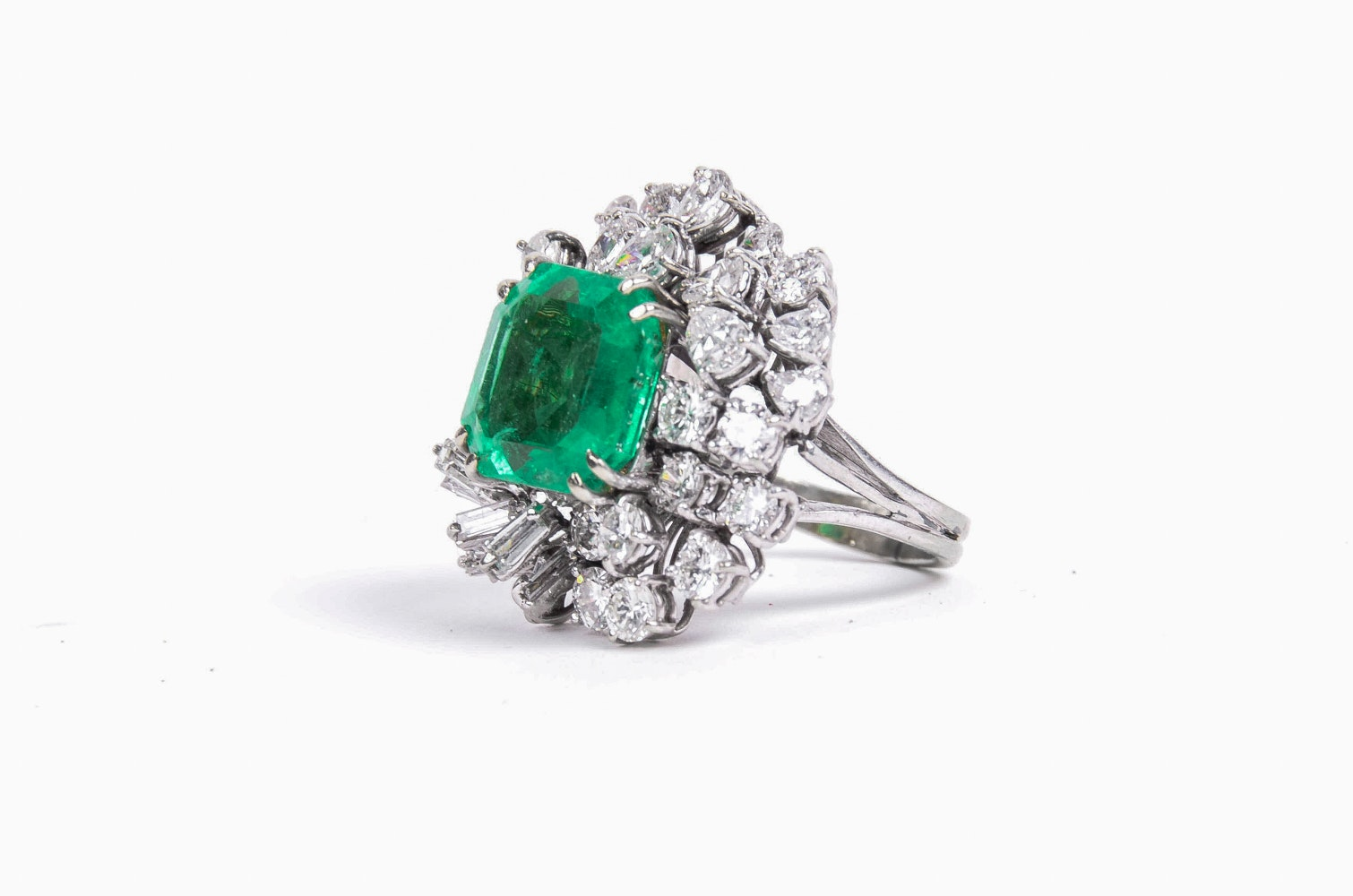 18K White Gold 6.25 CT Emerald and Diamond Ring