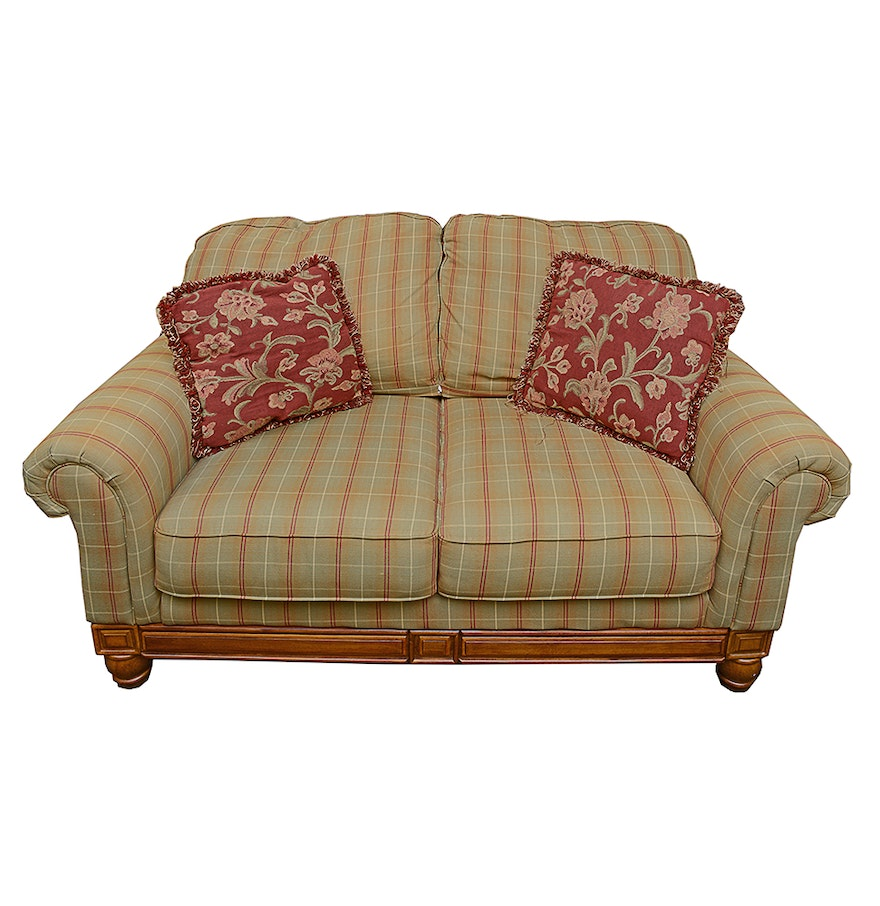 Contemporary Country Cottage Style Loveseat Ebth