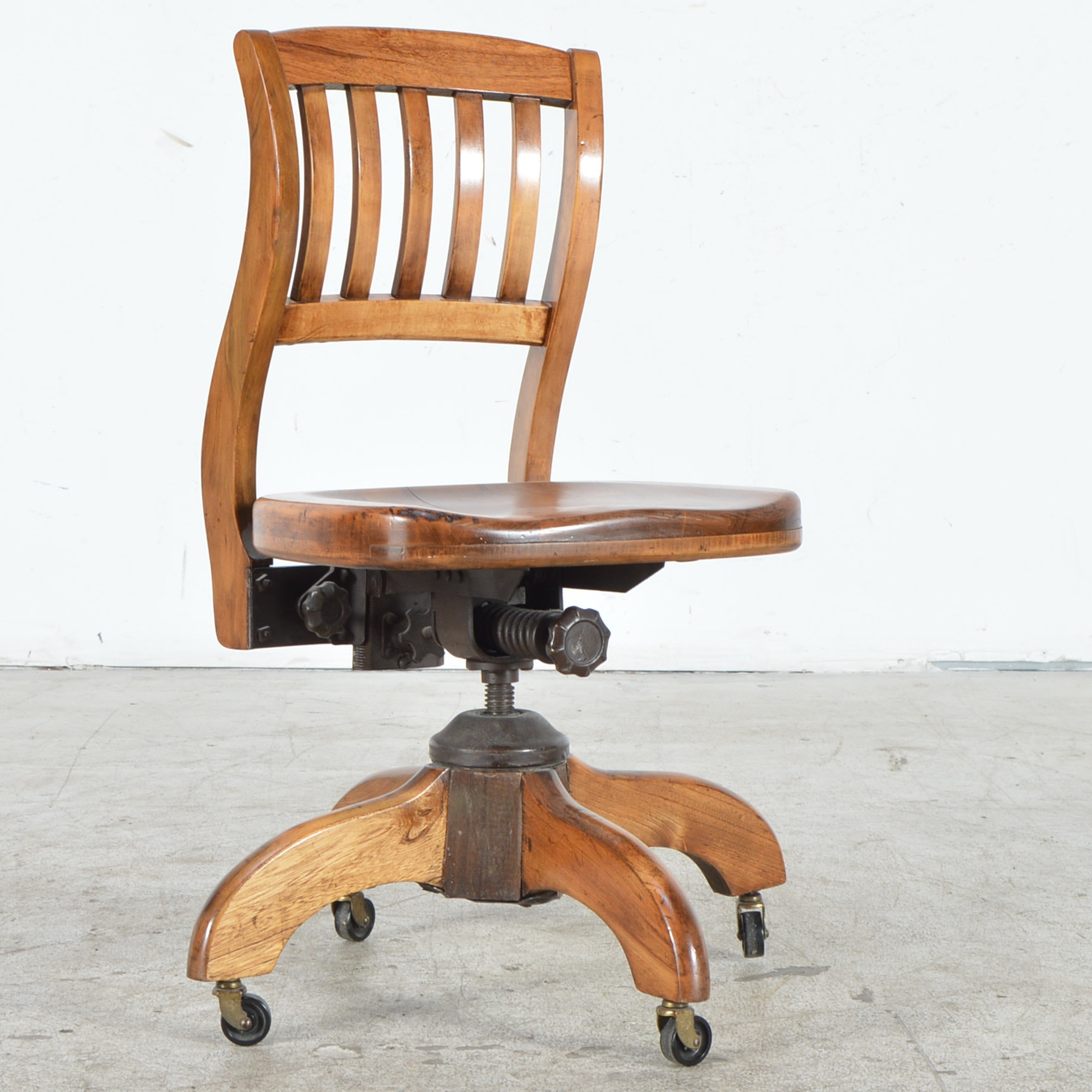 Vintage Oak Murphy Office Chair Ebth