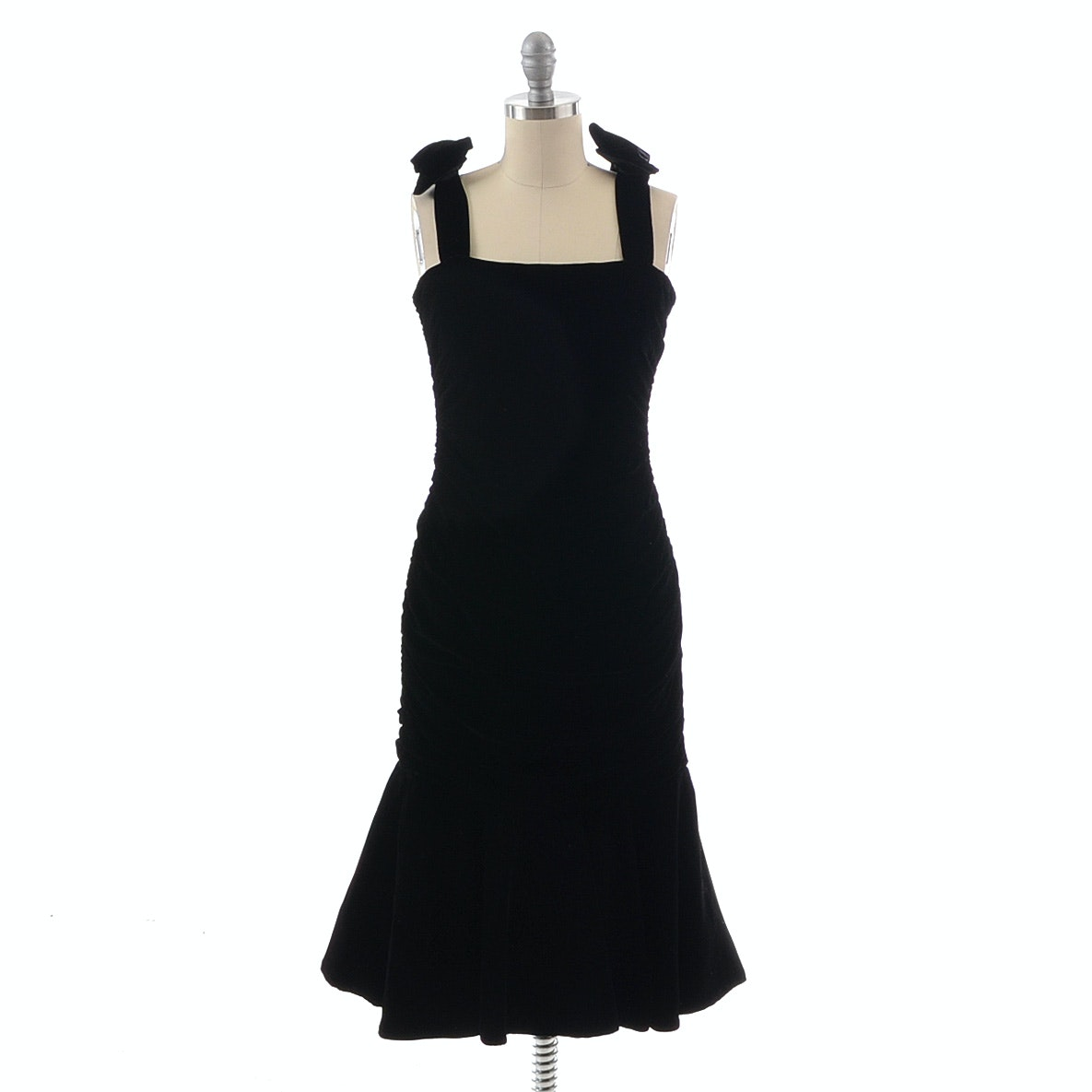 Vintage Black Velvet Ruched Sleeveless Cocktail Dress with Flat Bows at the Shoulder Straps
