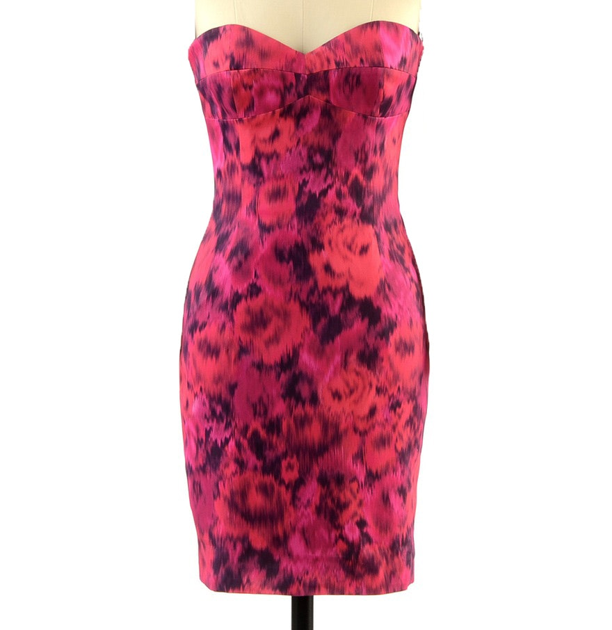 Michael Kors Vibrant Form Fitting Body Con Strapless Cocktail Dress in Abstract Print