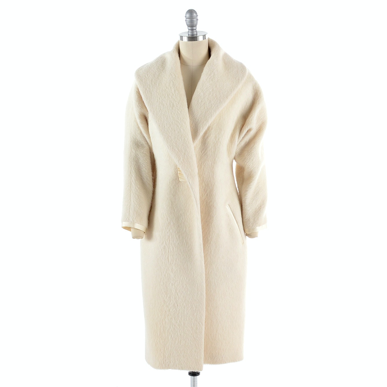 Richard Tyler Couture Ivory Wool and Silk Coat